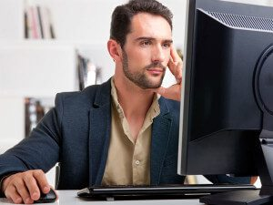 Boulder Eye Care & Surgery Center Doctors Computer user 300x225 - Critical Eye Care Tips For Computer Users